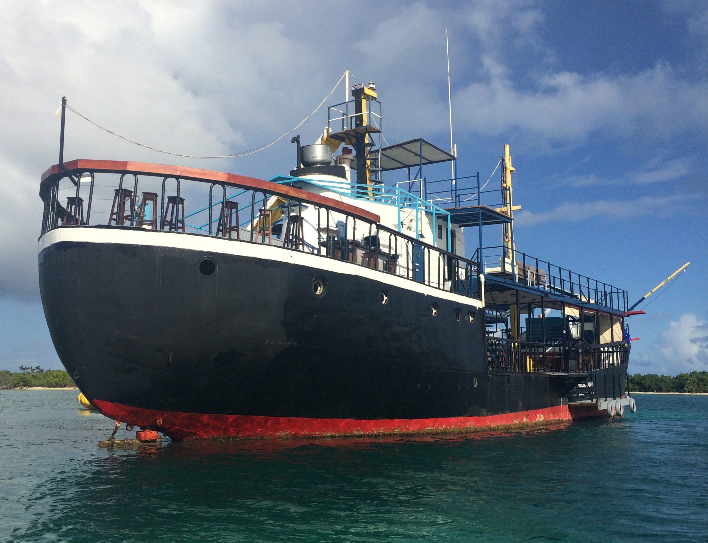 D Boat Antigua
