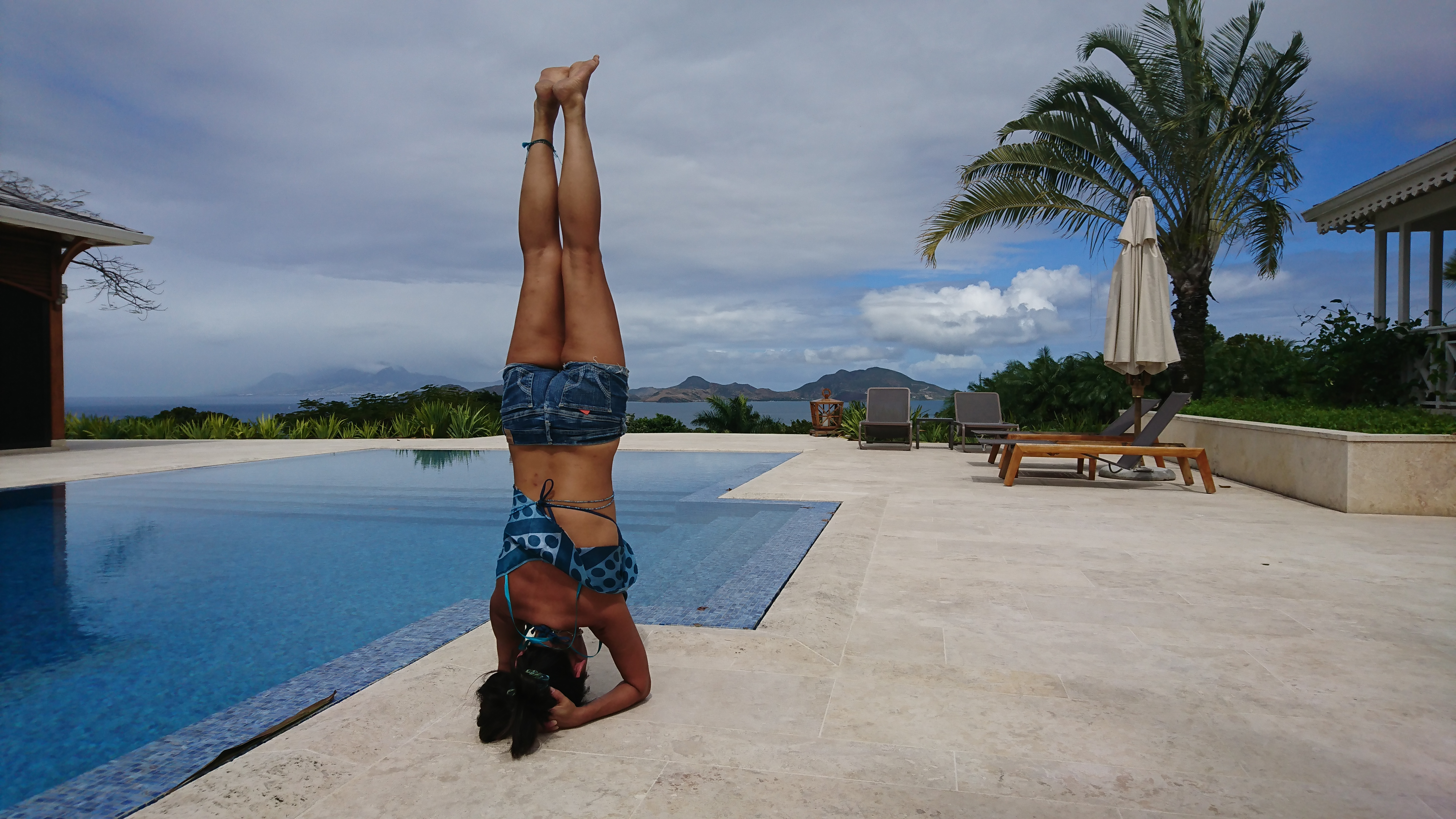 Pool side head stand in St Kitts & Nevis