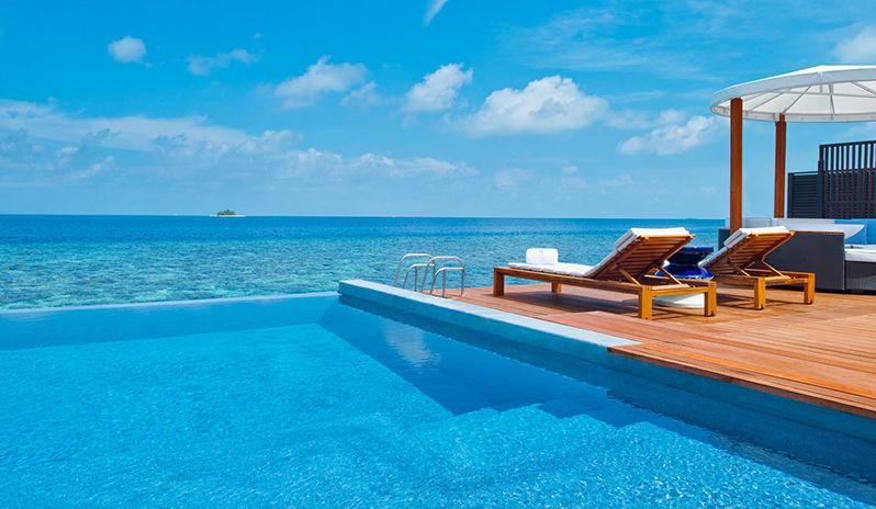 Swim up pool at W Retreat & Spa, Maldives
